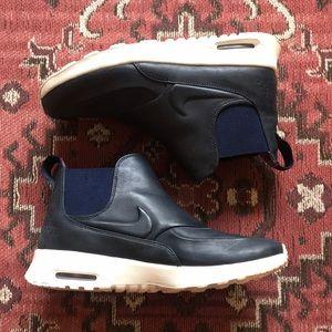 Nike sneaker boots size 8